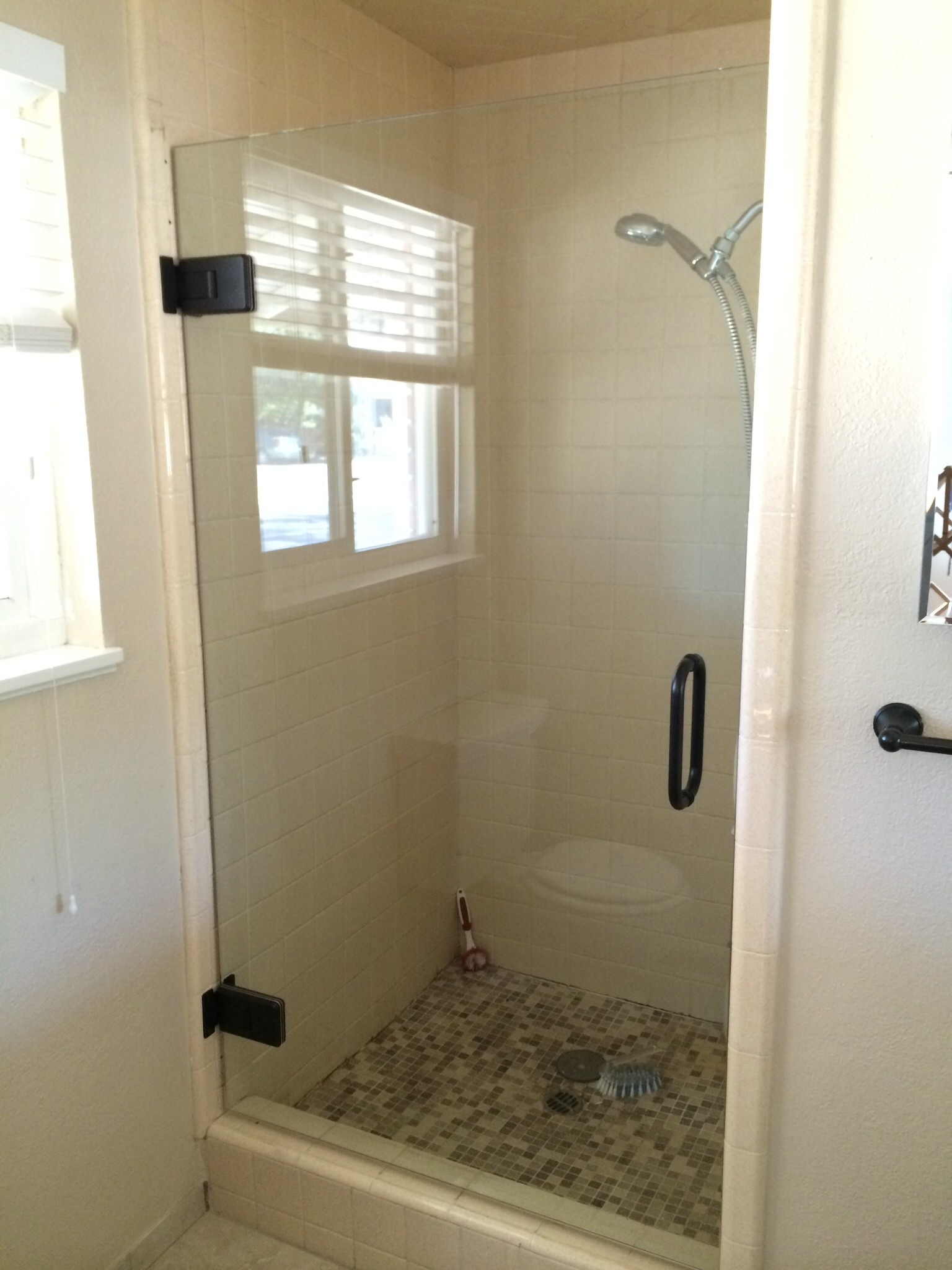 Shower doors ca | Glass Doors Ca | Custom Glass | Don's Mobile Glass